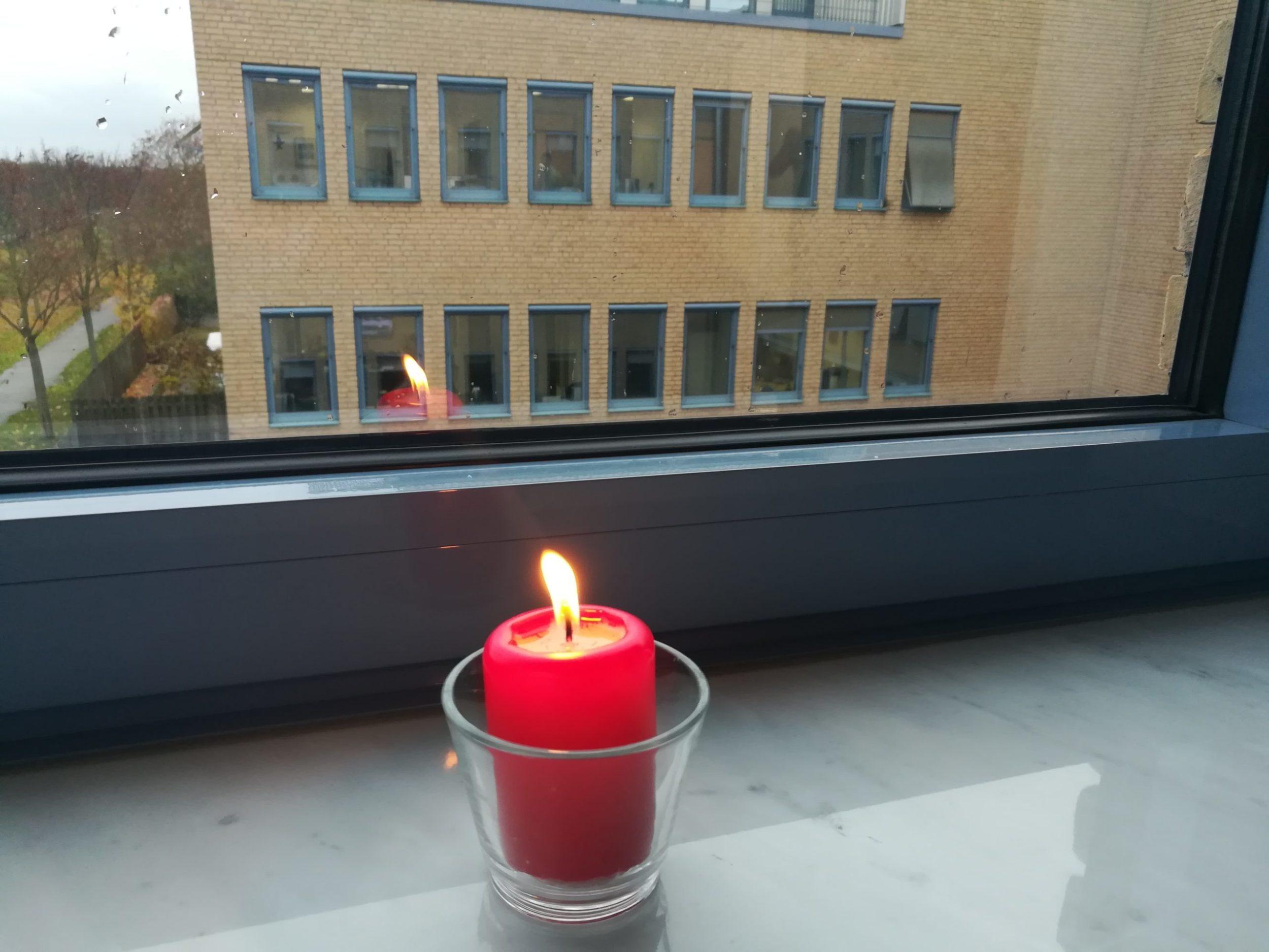 Kerze im Infocient Büro