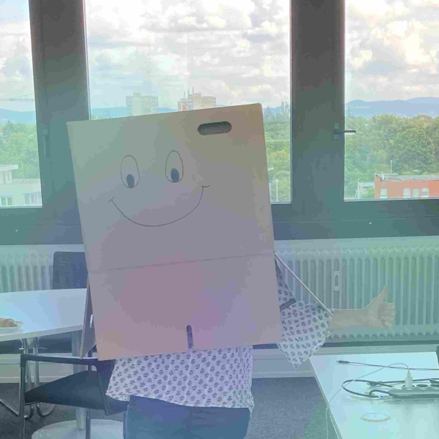 Büroräume von Infocient mit Karton